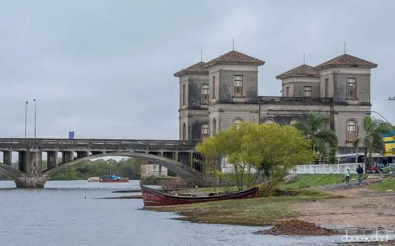 Jaguarão é uma cidade do extremo sul do Brasil, faz fronteira com o Uruguai