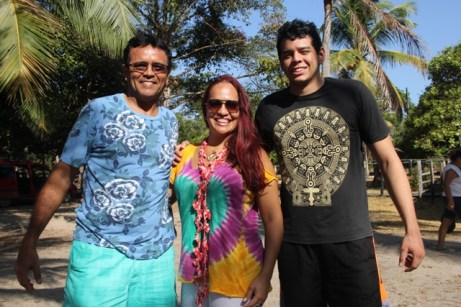 Turistas da Ópera em viagem surpreendente: Ernani Remédios, Cláudia Rodrigues e o filho João Guilherme