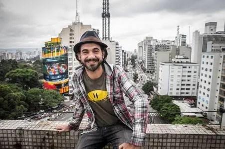 Kobra, inaugurou no dia 10 de novembro de 2015, na região da Avenida Paulista, em São Paulo, um imenso mural de Ayrton Senna