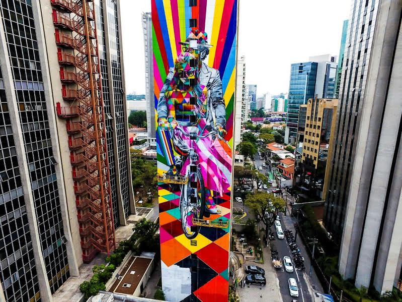 Mural na parede lateral do Ibis Styles Faria Lima, em São Paulo (Foto: Fernando Brisola)