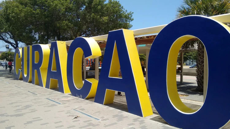 Curaçao introduz cartão online para imigração