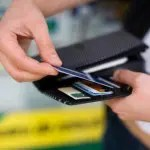 Bacen aperfeiçoa regras para compras de bens e serviços no exterior