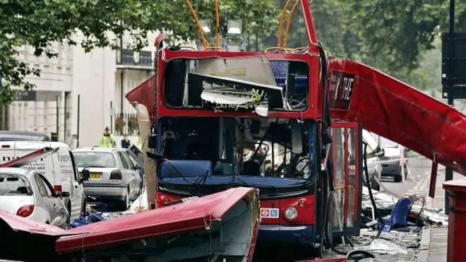 Atentado em Londres deixa o Reino Unido em alerta máximo