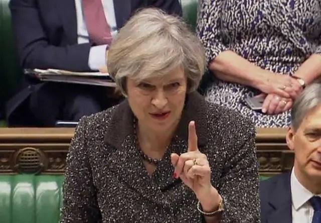 Segundo Theresa May, início à separação da UE  acontecerá até o fim do mês