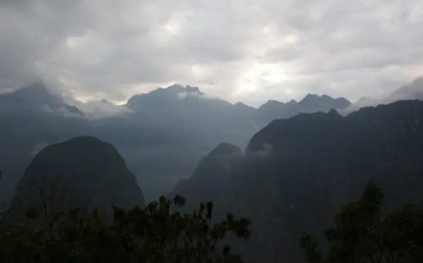 Expedição Cusco-Puyehue-Pascoa: sobrevoando os Andes