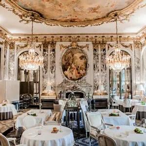 Restaurante do hotel Le Meurice, em Paris, com seu estilo clássico, é um dos 50 melhores do mundo