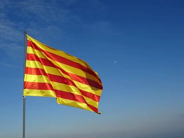 Premiê espanhol enfrenta crise após referendo de independência violento na Catalunha