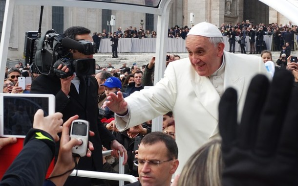 Papa Francisco encontra principais monges budistas e líderes militares e civis de Mianmar