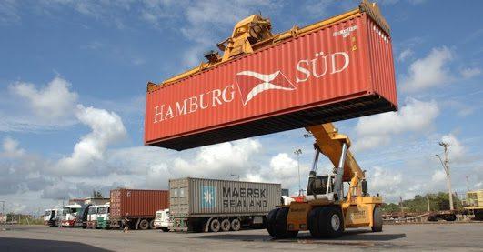 Governo prevê superávit de US$ 50 bilhões na balança comercial em 2018