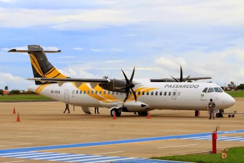 A Passaredo tem voo diário e é realizado em aeronaves ATR-72.
