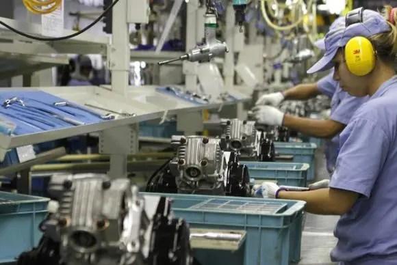 Produção industrial no Brasil cai 2,4% em janeiro, diz IBGE