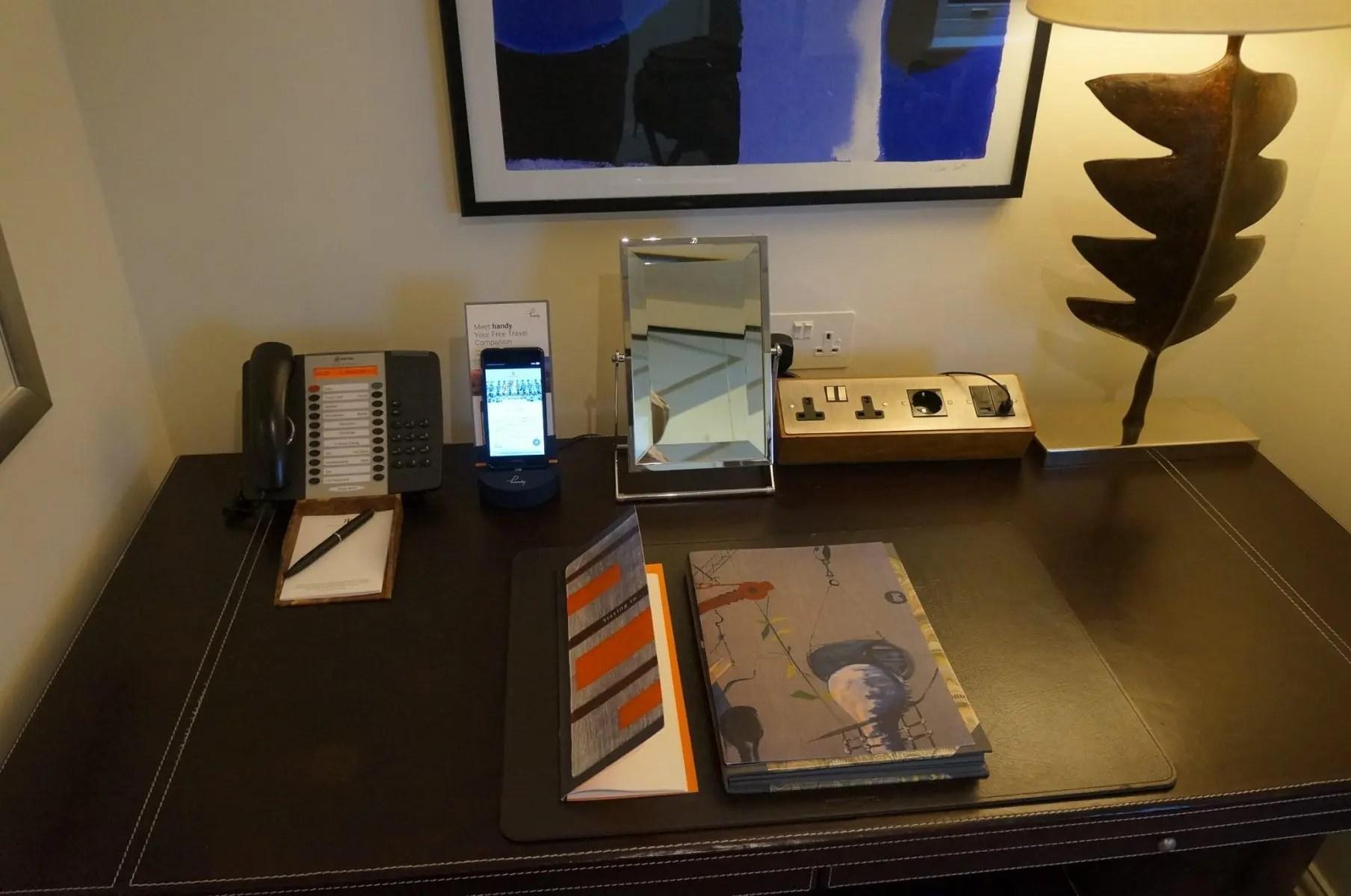 Celular gratuito para hóspedes no Hotel Brow´s