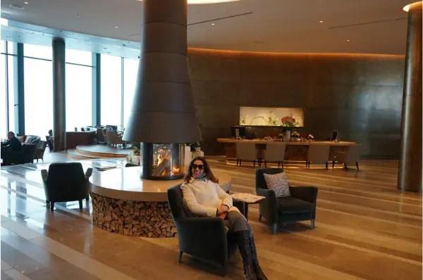 jornalista Adriana Reis no Bürgenstock Hotels & Resort