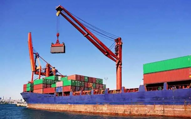 Superávit comercial do Brasil cai 11,8% em abril, a US$6,142 bi
