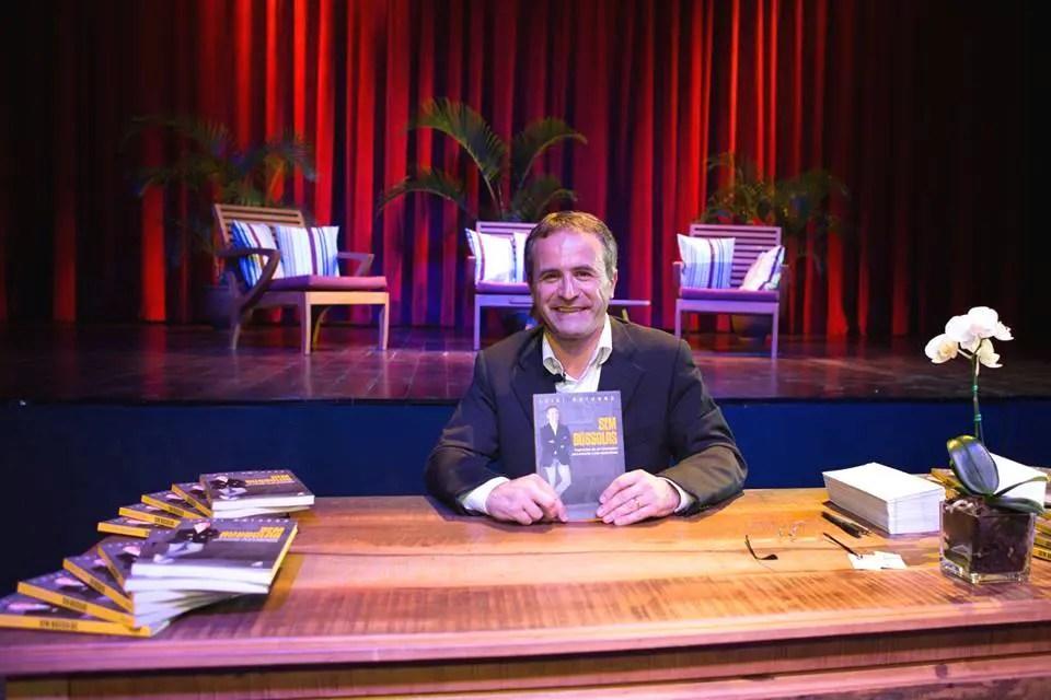 Diretor do La Torre Resort (BA) lança 1º livro no Centro Cultural de Porto Seguro