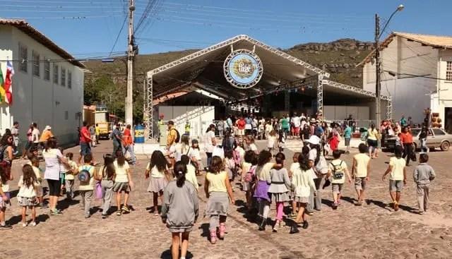 Feira Literária de Mucugê movimenta fluxo de turistas na cidade