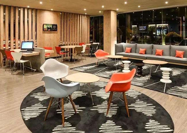Hotéis Ibis disponibilizam o lobby para uso de escritório compartilhado