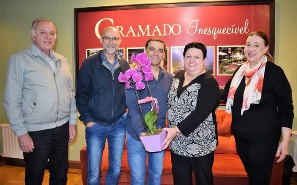 Secretaria de Turismo de Gramado busca apoio para festival de orquidófilos