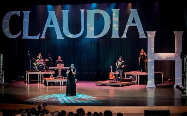 Cantora CLAUDIAH apresenta nesta quinta-feira (30) novo show acústico no Hotel Holliday Inn São Paulo