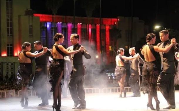 Música toma conta de Medellin que se transforma na capital internacional do Tango