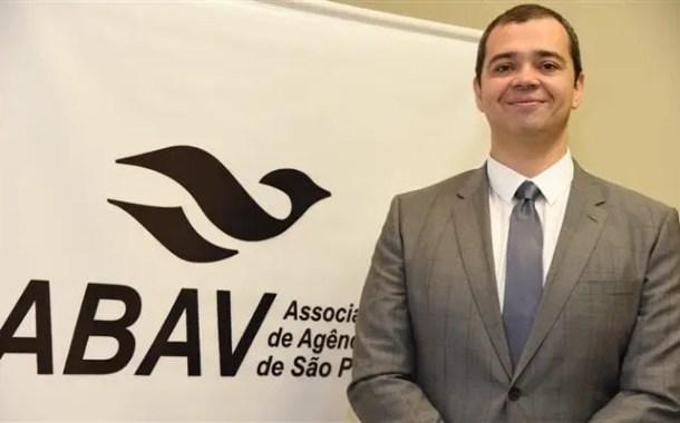 Em transmissão ao vivo, Abav-SP esclarece dúvidas sobre assessoria jurídica