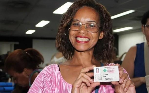 Governo do Estado do Rio de Janeiro entrega Carteira Nacional do Artesão aos profissionais de Niterói e cidades vizinhas