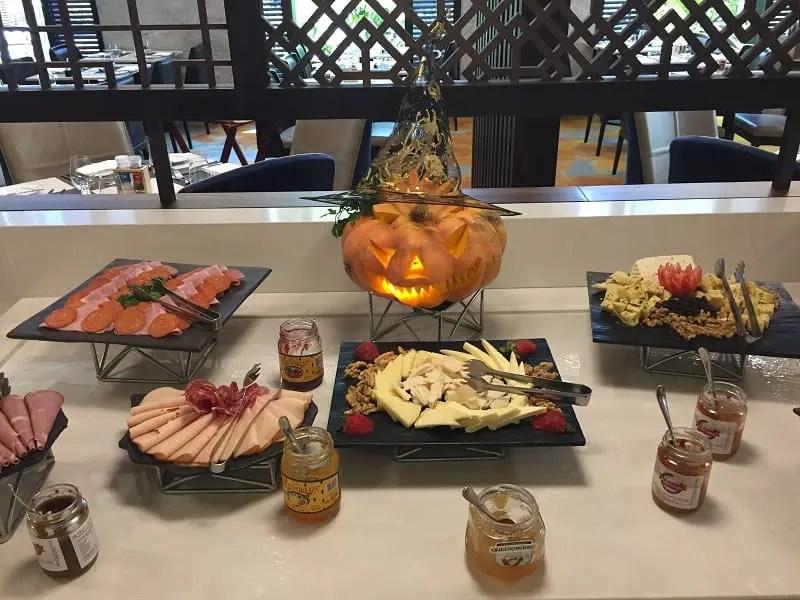 Hilton São Paulo Morumbi celebra Halloween com almoço temático