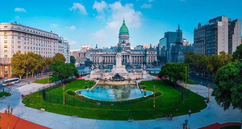 Argentina e Chile são os países preferidos das brasileiras que viajam sozinhas pela América Latina