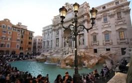 Roma pensa em construir barreira ao redor da Fontana di Trevi - Foto da Edição