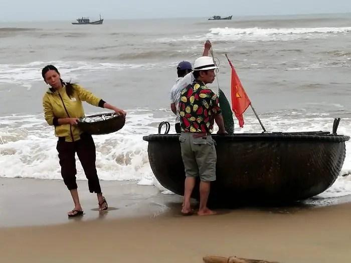 As cestas na praia de CuaDai - Crônica de Osvaldo Alvarenga