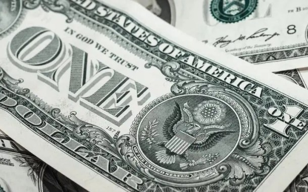 Dólar fecha em máxima histórica nesta terça-feira (11): R$ 4,34