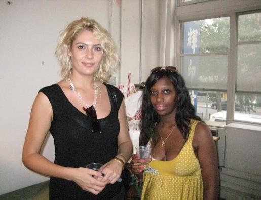 Flavia Mantovan (a sinistra nella foto)