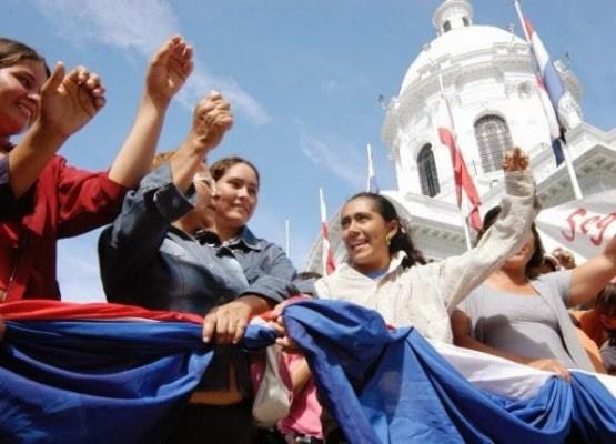 mujeres-paraguayas-elogiadas-por-el-papa-_595_429_1047952