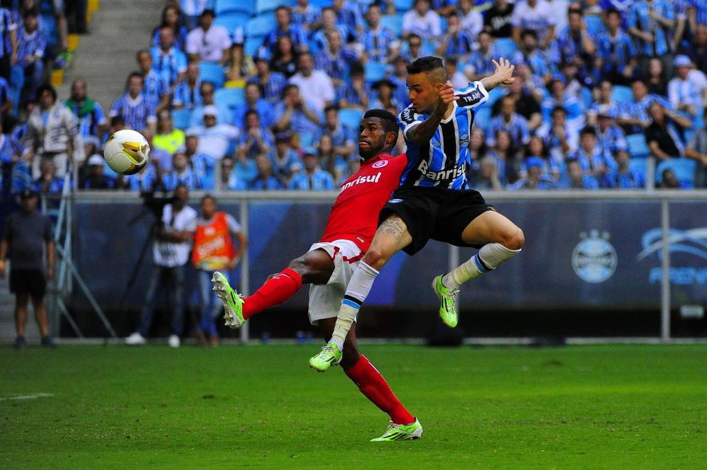 Gre-Nal 405 termina empatado e decisão do Gauchão fica para o Beira-Rio Carlos Macedo/Agencia RBS