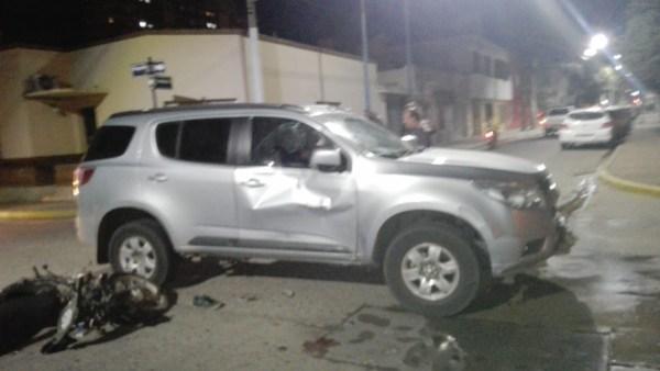 Accidente moto y camioneta
