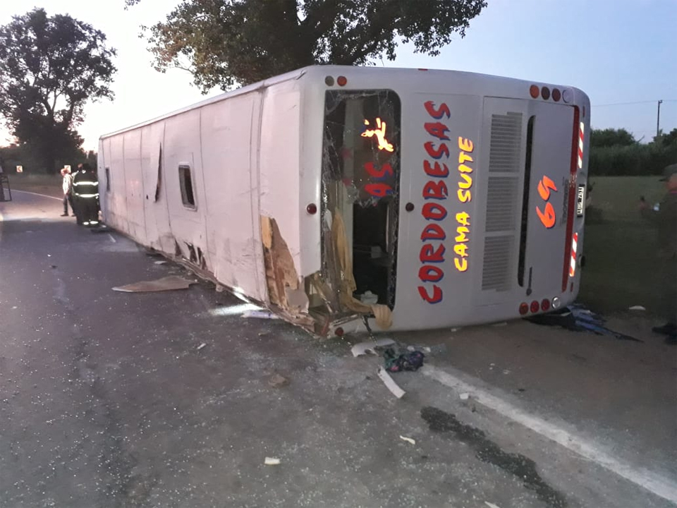 Accidente-Camion-Colectivo-26-12 05