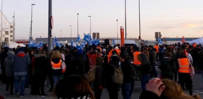 Resultado de imagen de trabajadores de Amazon en huelga San Fernando de Henares imágenes