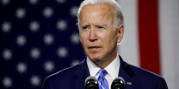 Cae popularidad del presidente Joe Biden a nueve meses de asumir el cargo