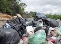 A tres días para despedir el año los tequeños siguen sumergidos entre desperdicios; promontorios de basura son visibles en calles y avenidas de la ciudad.