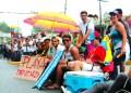 Dos marchas, una cadena humana, cacerozalos contantes y barricadas en diferentes puntos se realizaron ayer en protesta  exigiendo la liberación tanto de estudiantes como de presos políticos y en contra la represión.