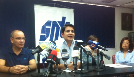 Sindicato de prensa venezolano dice medidas económicas han afectado 10 medios