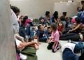Estados Unidos deportó este lunes a 120 personas, en su mayoría niños, de tres países de Centroamérica  AGENCIAS