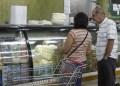 Tequeños siguen sin relleno para sus arepas, cuando se consigue el queso amarillo pasa los Bs.600