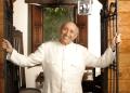 Simón Díaz también conocido por su apodo de El Tío Simón, fue un cantante, músico, compositor, poeta, humorista, caricaturista y empresario venezolano. Díaz falleció en 2014. ARCHIVO