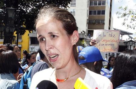 Manuela Bolívar: Tras 20 años de mala revolución, Venezuela solo exporta personas