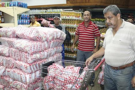 El kilo del grano blanco fue expendido a 4.500 bolívares y causó sorpresa entre los clientes que esperaban adquirirlo por un costo mucho menor