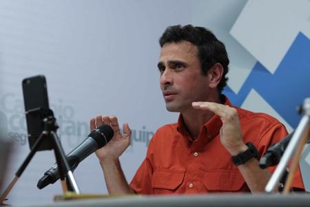 Capriles afirmó que Estado en los últimos años ha despilfarrado casi 70 mil millones de dólares. ARCHIVO