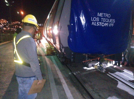 La madrugada de ayer miércoles finalizó el traslado del décimo tercer tren Metrópolis.ARCHIVO
