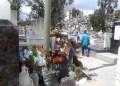 Basura y escombros encontraron en la entrada del cementerio municipal de Los Teques los deudos este domingo
