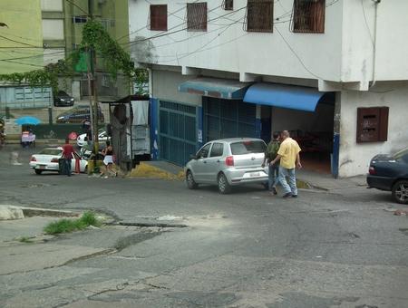 Habitantes de la zona aseguran que los atracos suceden casi a diario y de igual forma, los robos a motos